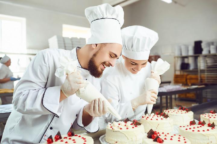 Cukrász szaktechnikus