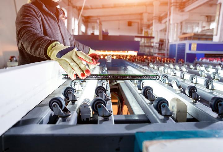 Gyártósori gépbeállító