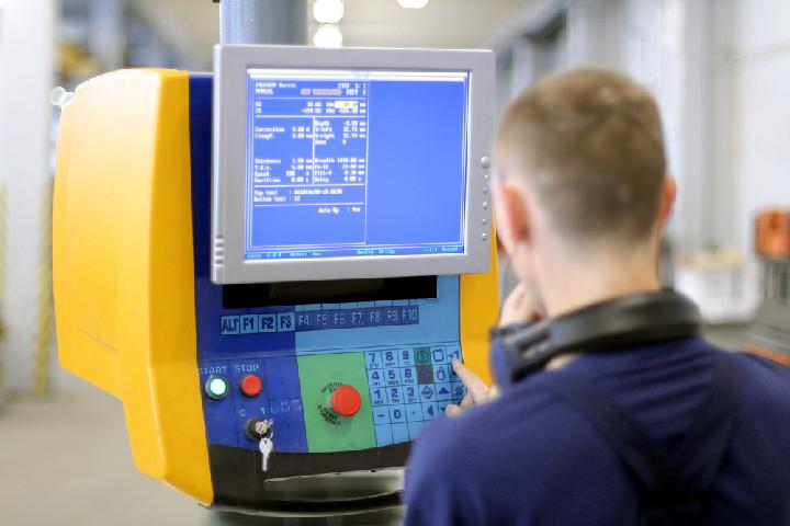 CNC-programozó