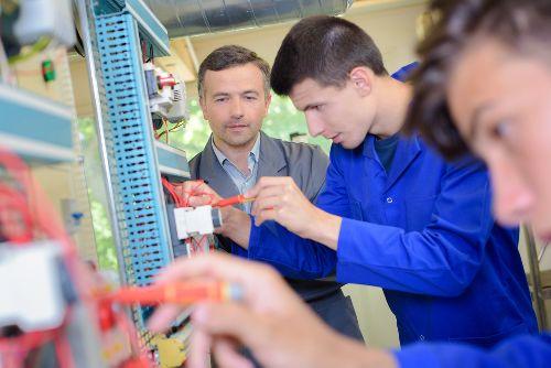 Kedvezőbb munkafeltételek a szakképzésben - Magyar Nemzet borítókép