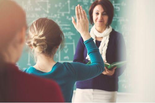 ITM: emelkedik a pedagógusok bére és ösztöndíjat kapnak a tanulók a szakképzésben borítókép