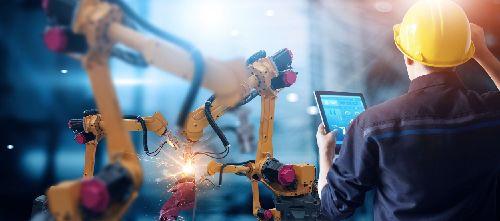 Az Innovációs és Technológiai Minisztérium pénteken rendezi meg a IV. Modern Gyárak Éjszakáját borítókép